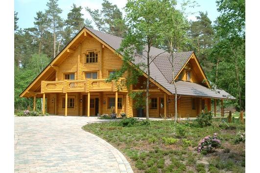 Postavitev lesene hiše ali brunarice