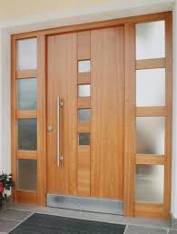 Kakšne so razlike med notranjimi in vhodnimi vrati?