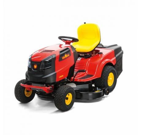 Traktorji olajšajo kmetijska opravila